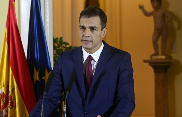 Spanish PM threatens hammer blow to Theresa May's Brexit deal