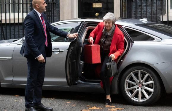What happens if Parliament passes Theresa May's draft Brexit deal?