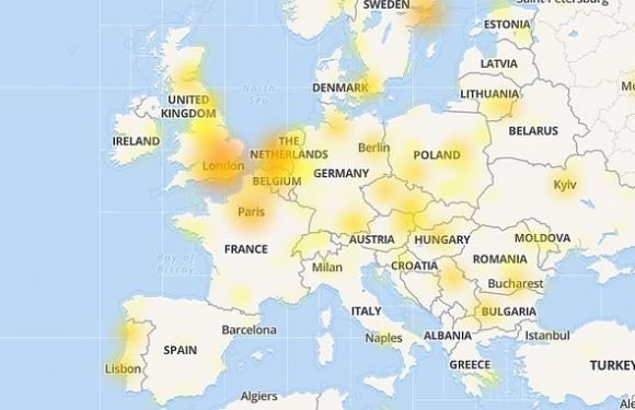 Facebook is DOWN! Users  the social network has logged them out