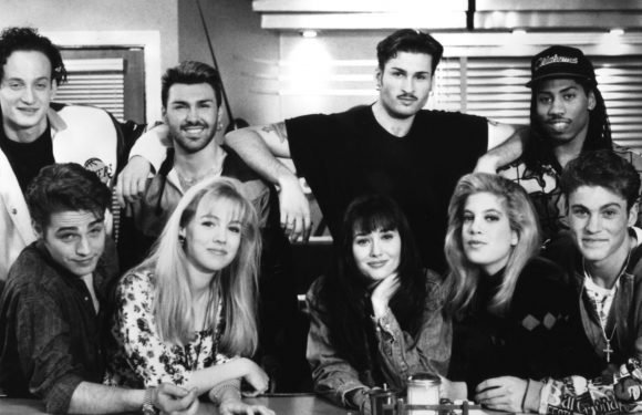 'Beverly Hills, 90210' reboot in works with original cast members