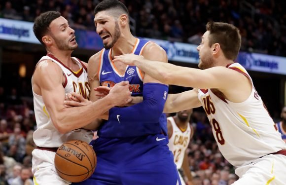 Knicks rally, but flop at the finish line against lowly Cavs