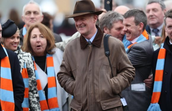Un De Sceaux owners pushing Willie Mullins to run their star in Sandown Tingle Creek with rain arriving