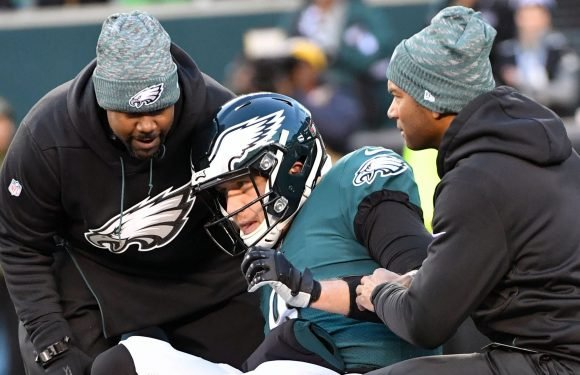 Opinion: Magic of St. Nick Foles might not be enough to keep Eagles' playoff hopes alive