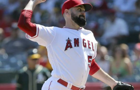 Blue Jays agree to one-year deal with right-hander Matt Shoemaker