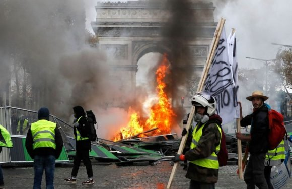 Paris is closed: Shops, restaurants and museums to shut ahead of fresh riots