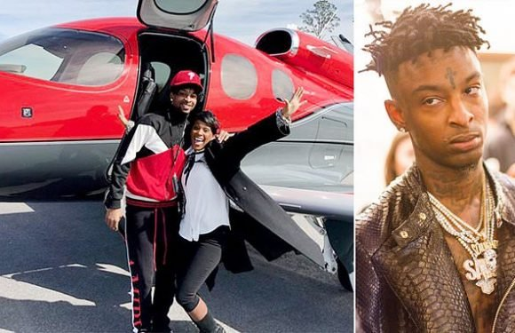 Rapper 21 Savage leaves Georgia ICE detention center in a private jet
