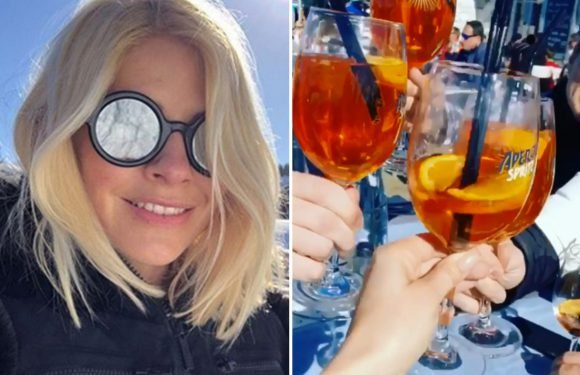 Holly Willoughby parties with monster glasses of Aperol Spritz on boozy ski holiday