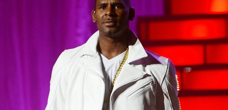 R. Kelly charged with criminal sexual abuse in Chicago