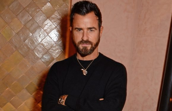 Justin Theroux faces off with neighbor in courtroom