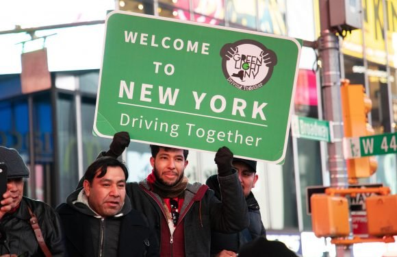 Advocates push to get illegal immigrants NY drivers' licenses