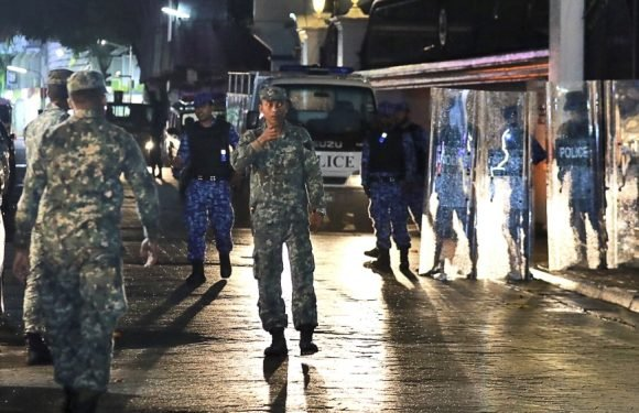 Maldives top court reverses dissidents' release