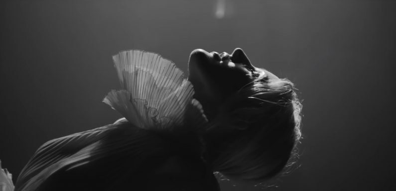 Watch Ellie Goulding Ruminate About Past Love in New 'Flux' Video
