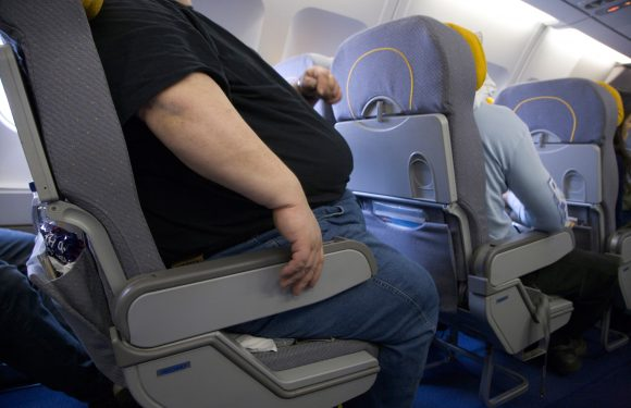 Man sparks debate after charging obese plane passenger £100 for taking up his seat space