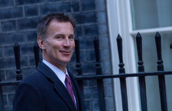 Jeremy Hunt warns Russia of crippling cyber attacks to disable it's propaganda machine if it hacks UK elections