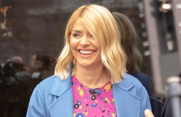 How much is Holly Willoughby paid for hosting This Morning, what is her net worth and how old is she?