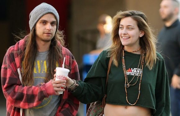 Paris Jackson Steps Out With BF Hours After Reported Hospitalization: Pics
