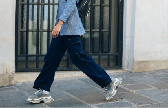 2019's Fresh Crop of Denim Trends May Have You Tossing Your Skinnies Once and For All