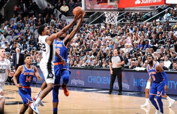 Knicks drubbed by Spurs as tank machine keeps chugging along