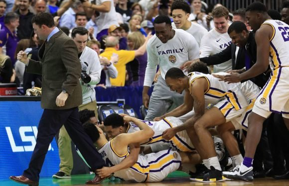 Tremont Waters' Layup In Final Seconds Left Sends LSU To Sweet 16