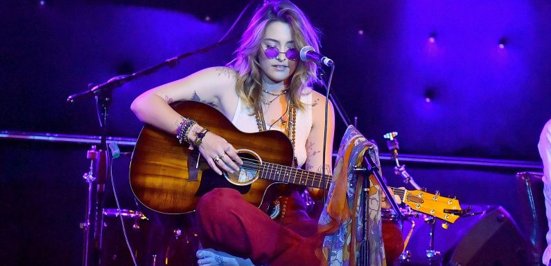 Macaulay! Mom! Celebs Support Paris Jackson at Concert in Los Angeles: Pics