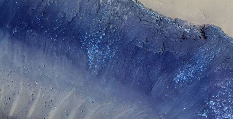 NASA pictures of Mars: Space agency snaps a mesmerising landslide on the Red Planet