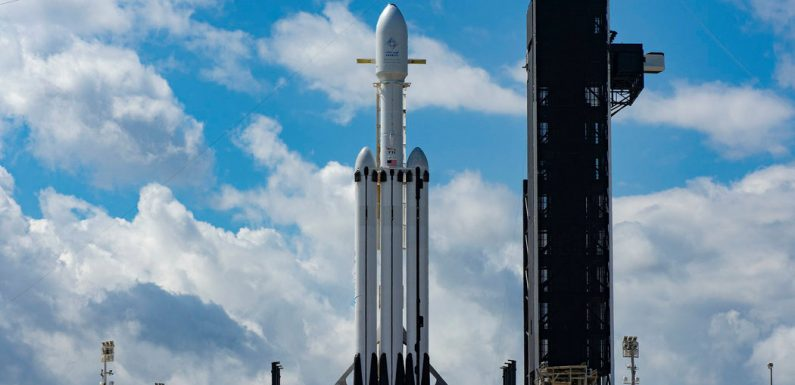 Watch SpaceX's Falcon Heavy Second Try for a Satellite Launch