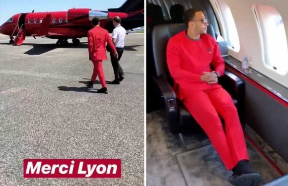 Memphis Depay appears to confirm he has left Lyon and fans think he's heading to Liverpool in red private jet