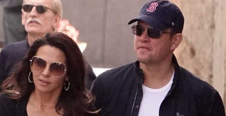 Matt Damon & Wife Luciana Vacation with Friends in Italy!