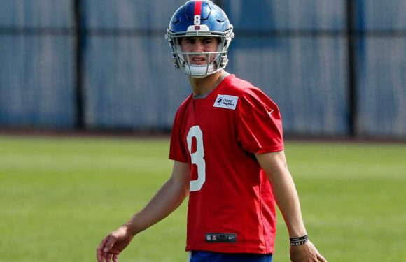 Giants can't hesitate pulling the Daniel Jones trigger