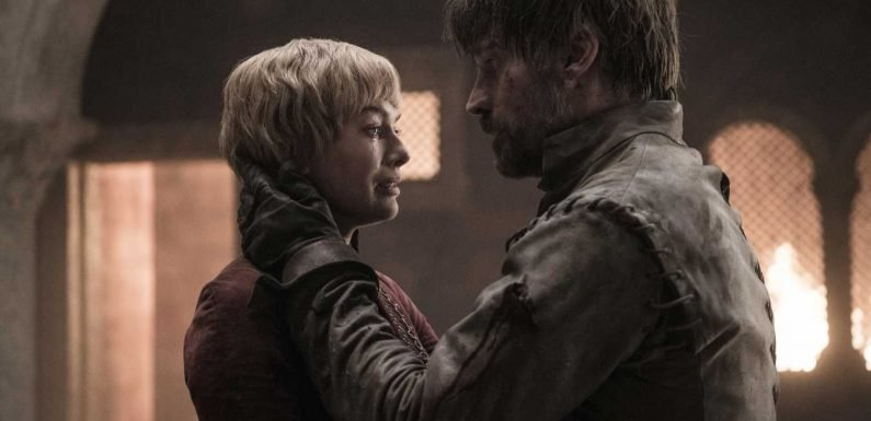 Another Game of Thrones Gaffe? Fans Think Jaime Lannister's Hand Grew Back to Hug Cersei
