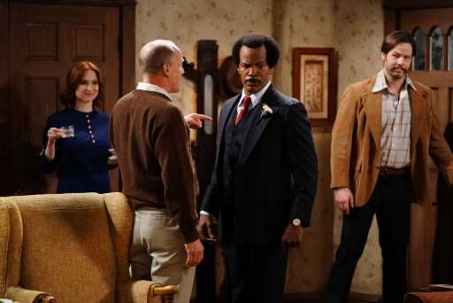 'All in the Family' & 'The Jeffersons' Live Shines With Jamie Foxx's Flub, Surprise Guest & More Than Nostalgia