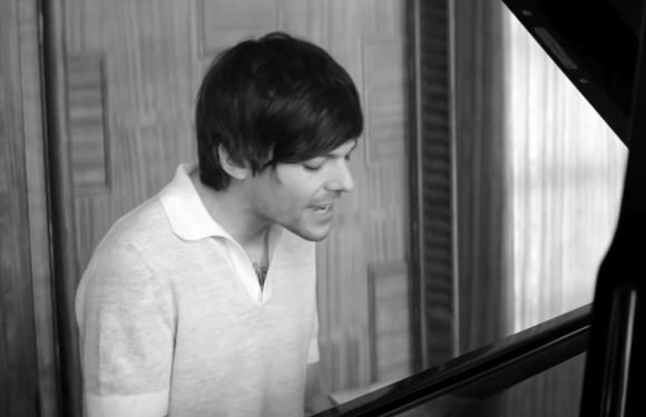 See Louis Tomlinson Pay Tribute to His Mother in 'Two of Us'