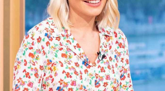Holly Willoughby's floral summer dress divides This Morning viewers