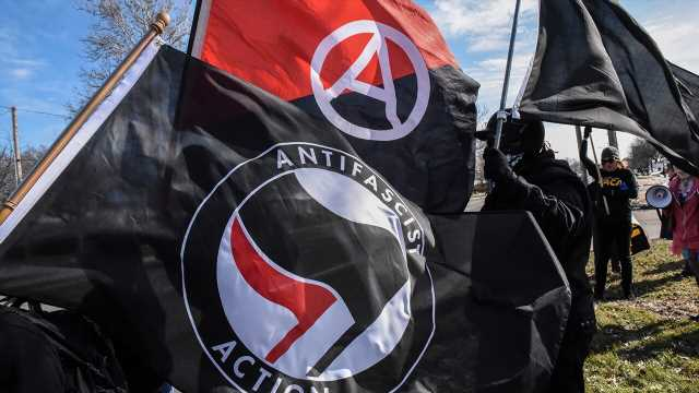 FBI probing Antifa plot to buy guns from Mexican cartel, 'stage an armed rebellion at the border'