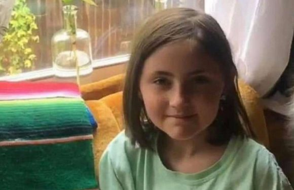 Police searching for girl, 8, kidnapped while walking down the street