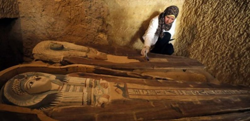 4,000-year-old 'double tomb' discovered near Egyptian pyramids