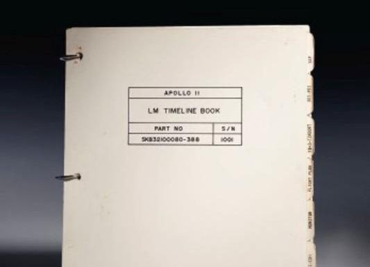 First moon landing manual could fetch $9 million at auction