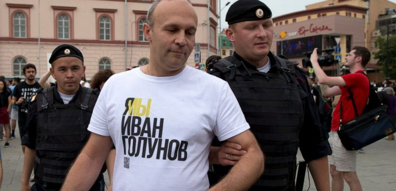 More than 20 arrested at Moscow protest after reporter freed