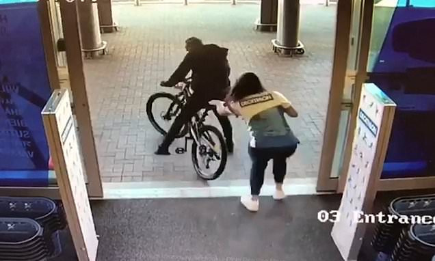 Brave shopworker tackles thief and stops him a stealing bike