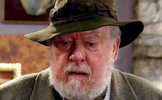ITV dedicates tonight's Emmerdale to Sandy Thomas actor Freddie Jones after he died aged 91
