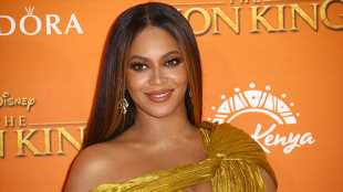 'The Lion King': Beyoncé's Sexiest Red Carpet Moments Ever In Honor Of The New Movie