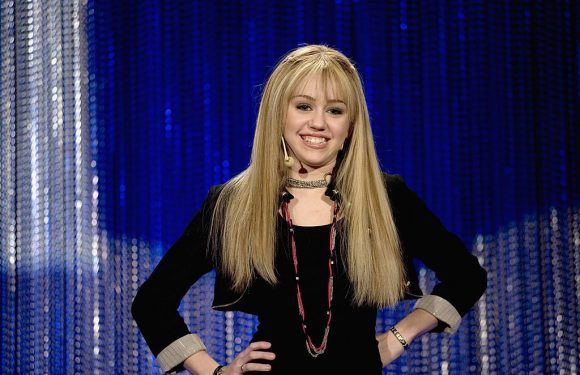 Miley Cyrus Reveals When She Knew It Was Time to Quit 'Hannah Montana'