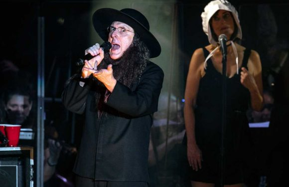 'Weird Al' Yankovic Revamps Classic Parodies With an Orchestra at NYC Show