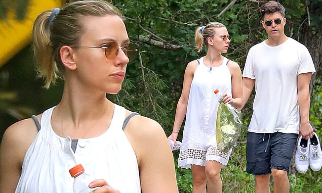 Scarlett Johansson and Colin Jost go for beach stroll in the Hamptons