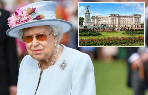 The Queen is advertising for a £22k-a-year gardener to keep her lawns at Buckingham Palace maintained to an 'exceptional standard' – The Sun