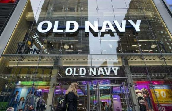 Old Navy Is Having A MAJOR Labor Day Sale With $15 Jeans & Dresses