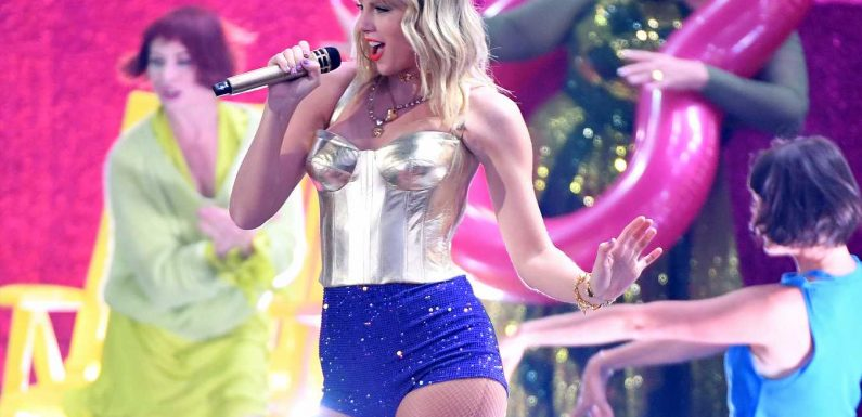 Taylor Swift Performs 'Lover' for the First Time During 2019 MTV VMAs Opener After Album Release