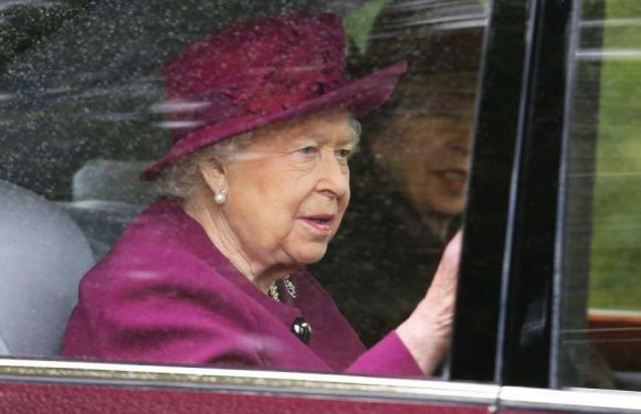 Queen Elizabeth Reigns in a Monochrome Purple Ensemble