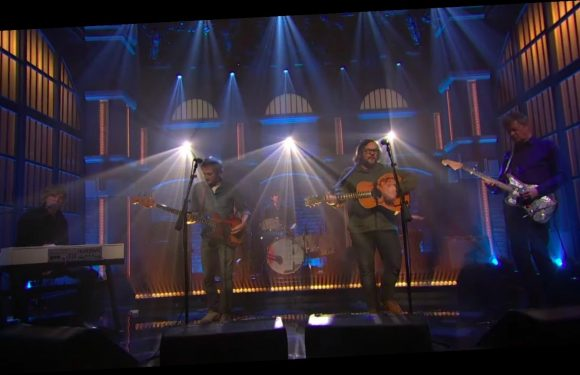Watch Wilco Raise Romantic Alarms With 'Love Is Everywhere (Beware)' on 'Seth Meyers'