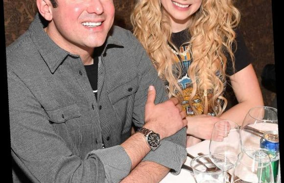 Avril Lavigne and Billionaire Heir Phillip Sarofim Split After Less Than 2 Years of Dating